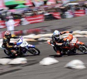 Adu Kecepatan di Makassar