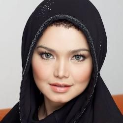 Lebaran, Siti Nurhaliza Resmikan Masjid Rp 4 M