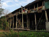 Rumah Betang Sungulo Apalin