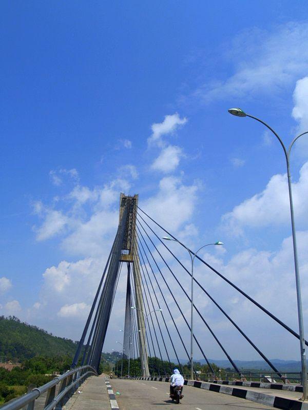 Jembatan Barelang di siang hari
