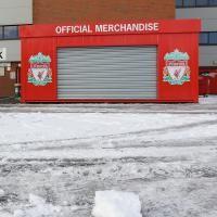 Cuaca Buruk, Liverpool-Fulham Ditunda