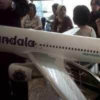 Tak Ada Petugas, Penumpang Mandala di Bandara Polonia Bingung Refund Tiket
