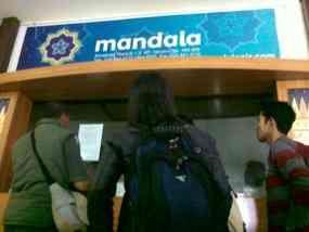 Penumpang Mandala di Bandara Semarang Bingung karena Kantor Tutup