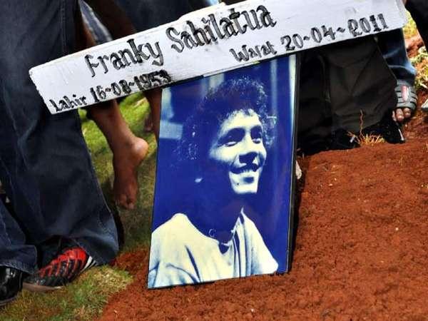 Pemakaman Franky Sahilatua