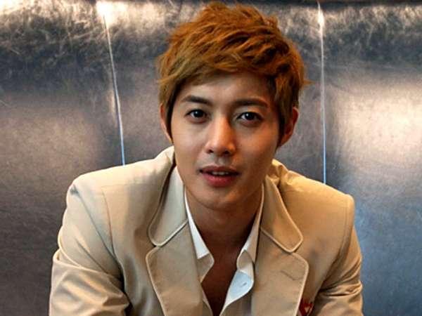 Kim Hyun Joong Temui Fans Singapura