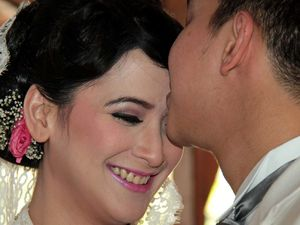 Andhara Early & Bugi Resmi Menikah
