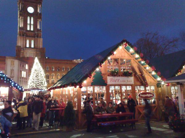 Kedai Bir di Pasar Natal (Foto: Fitraya)