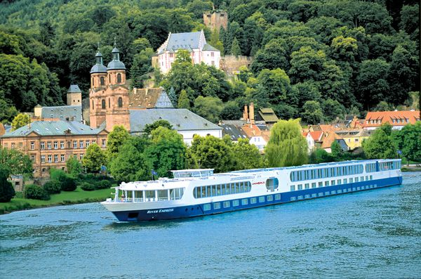 Uniworld River Cruises (cruising.org)