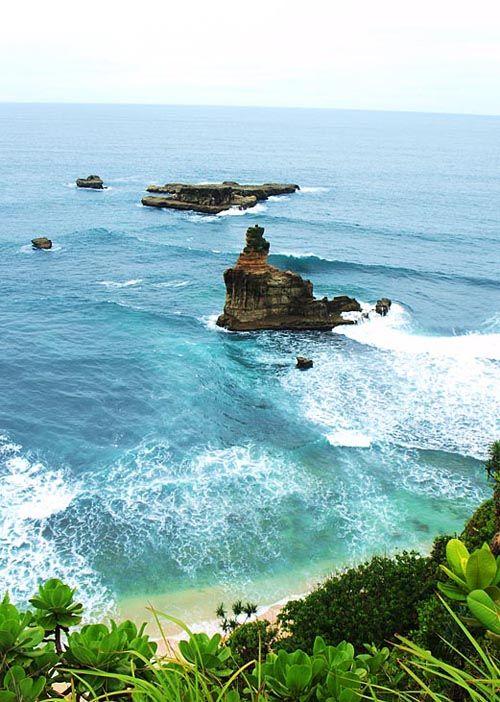 Hiasan karang berbentuk menara