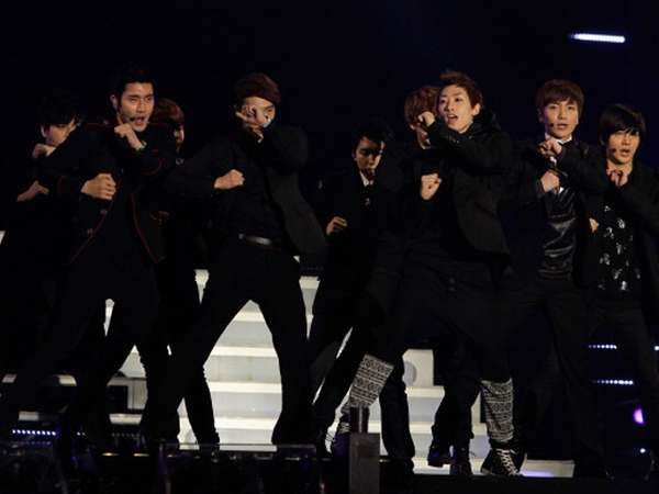 Aksi Super Junior di 21st Seoul Music Awards