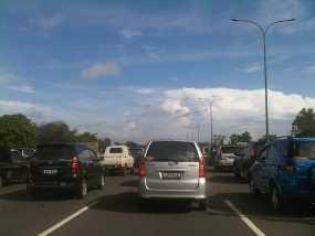 18 Kendaraan Kecelakaan di Tol Jagorawi, Lalin Macet