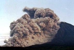 Semburkan Wedhus Gembel, Status Gunung Semeru Dinaikkan ke Siaga