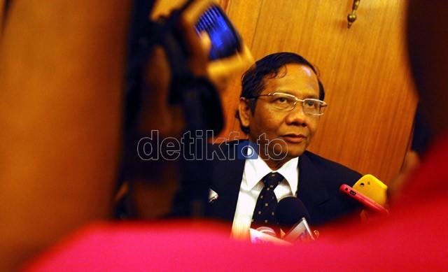 Ketua MK: Anak di Luar Nikah Ditanggung Ayah Biologis Untuk Cegah Zina