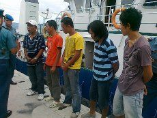 TNI AL Tangkap 5 Bajak Laut di Palu