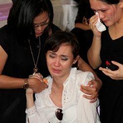 Ribuan Mawar Antar Olivia Dewi dalam Tidur Panjang