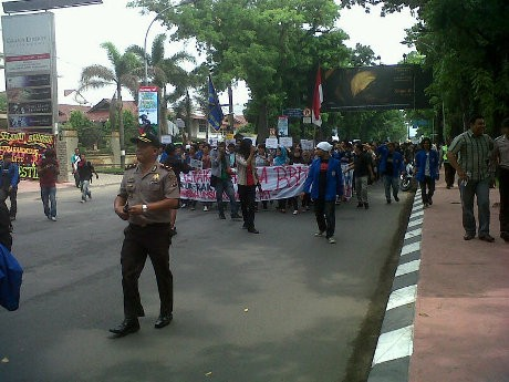 Tolak Kenaikan BBM, Ratusan Mahasiswa Medan Demo Pertamina