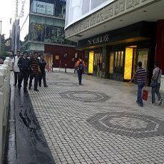 Asrinya Jalur Pedestrian di Singapura