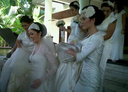 Sederhana, Pernikahan Cathy Sharon Didominasi Anggrek Putih