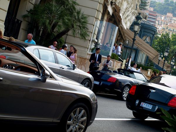 Macet di Monaco (luxury4play.com)