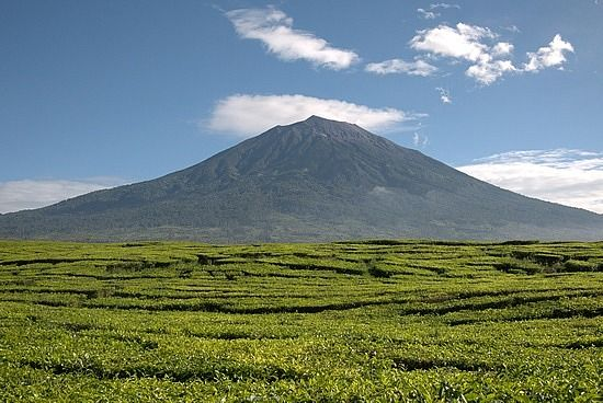 Gunung Kerinci, Jambi (blog.travelpod.com)