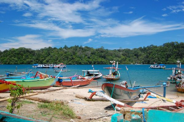 Pantai Sendang Biru (ronikhoi.blogspot.com)