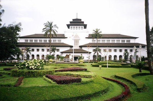 Gedung Sate (travelwithjan.com)