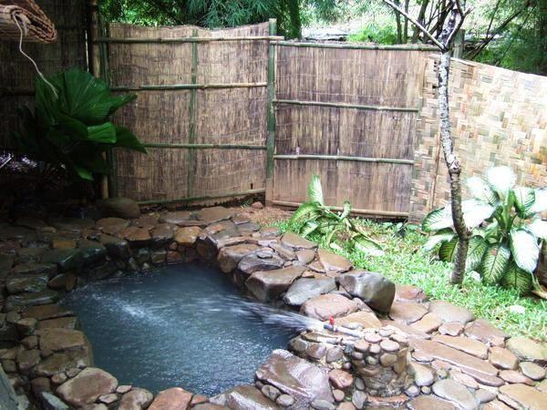 Kolam di Gunung Pancar (mytravelsoul.wordpress.com)