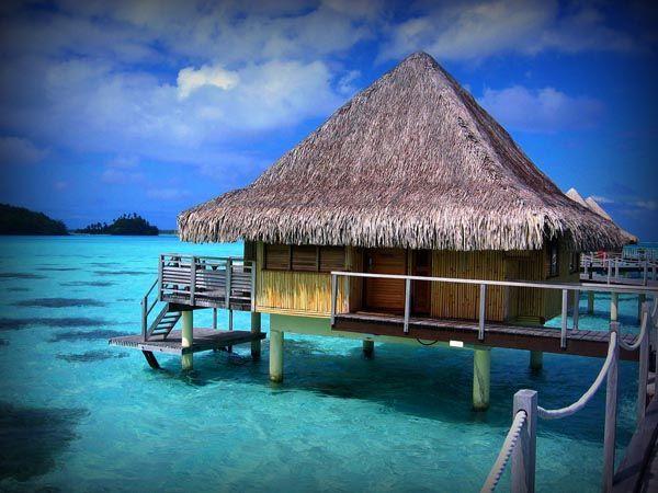 bukanklikunic.blogspot.com - 7 Hotel Laut Terunik Di Dunia