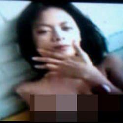 Merry Putrian Tantang Nonton Bareng Video Porno Mirip Dirinya