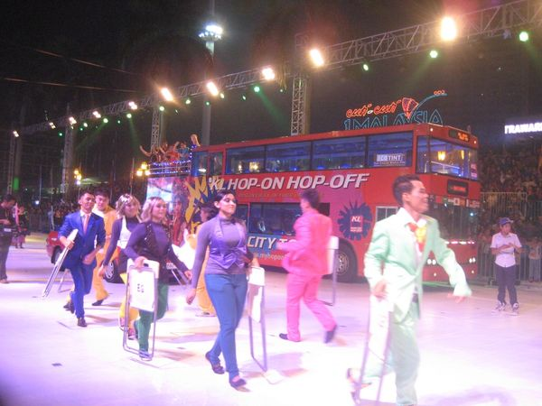 Bus hop on hop off untuk berkeliling Kuala Lumpur