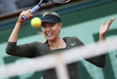Sharapova ke Perempatfinal, Li Na Tersingkir