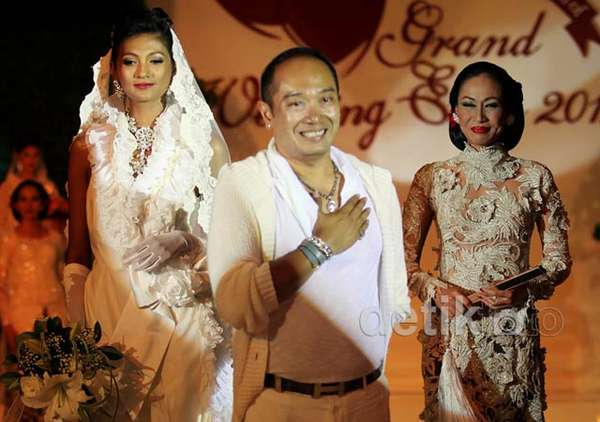 Fashion Show Adjie Notonegoro Its Me: Brides in Love