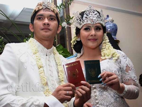 Sah! Iko Uwais & Audy Akhirnya Resmi Menikah
