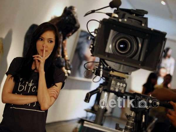 Mengintip Syuting Film Pendek Karya Cathy Sharon