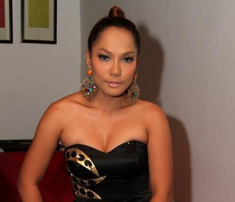 Tak Bisa Goyang, Jenny Cortez Tak Takut Dicekal