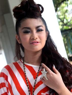 Fitri Karlina Sudah Nyaman dengan Saipul Jamil