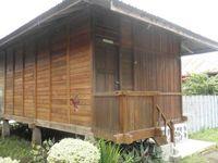 Tempat menginap di Sumaru Endo. Kisaran harganya Rp175.000-400.000, cocok untuk menghabiskan malam di tepian danau.