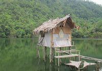 Gubuk mungil di danau air payau, di belakang desa (Sastri/ detikTravel)