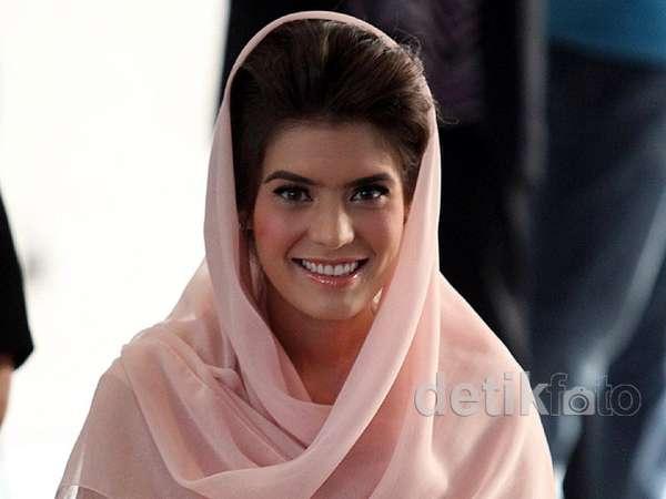 Cantiknya Carissa Putri Berbusana Muslim