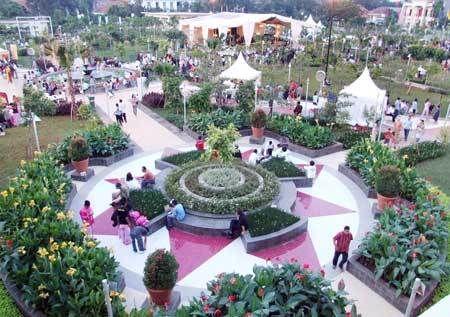 Ngabuburit Asyik di 5 Taman Kota di Jakarta