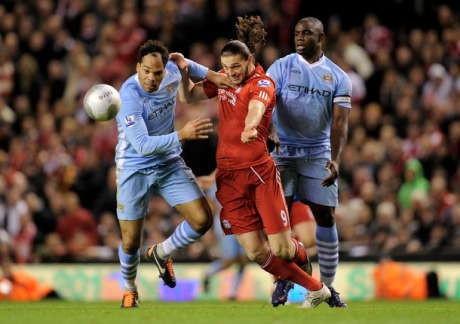 Liverpool Berharap Carroll untuk Jinakkan City