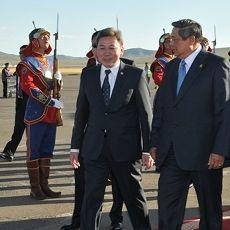 Tiba di Mongolia, Presiden SBY Disambut Upacara \Hadag\