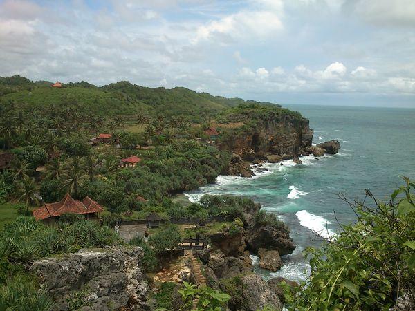 Bertualang di 9 Pantai Andalan Gunungkidul