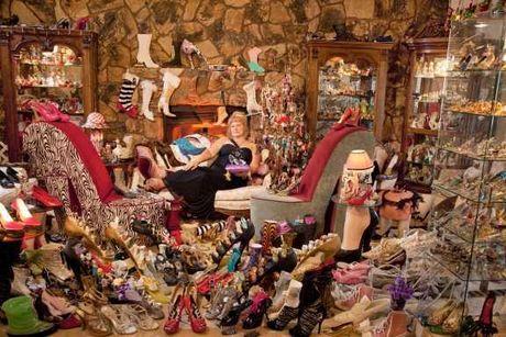 Kolektor Sepatu Terbanyak
