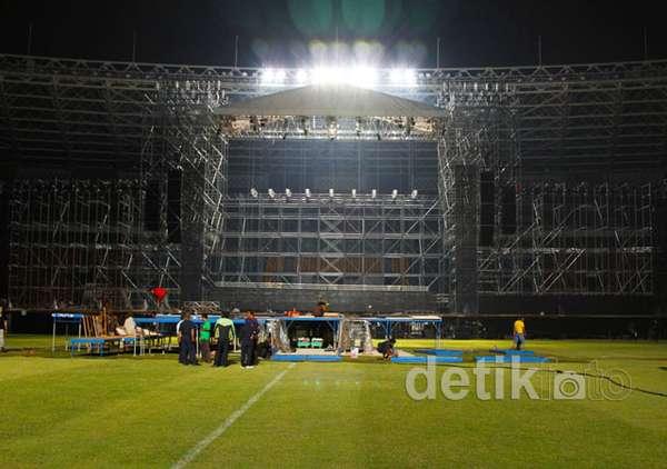 Yuk, Ngintip Persiapan Panggung SM Town Jakarta!