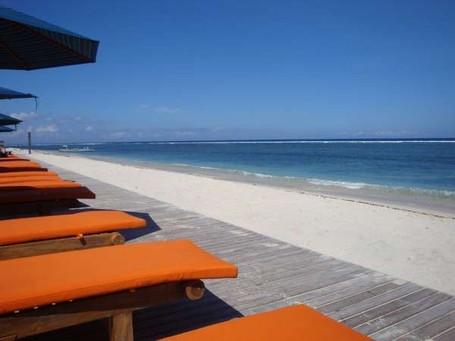 5 Pantai Cantik di Indonesia untuk Bulan Madu yang Sempurna