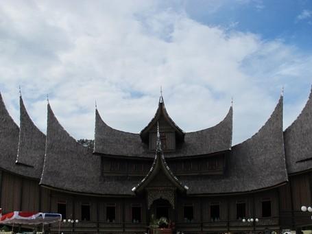 Istano Basa Pagaruyung, Istana Megah Asli Minang