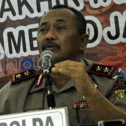 Nyanyi 3 Lagu, Kapolda Metro Jaya Disawer Rp 166 Juta!