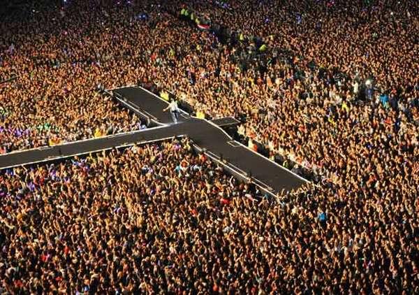 80 Ribu Penggemar Padati Konser Gratis Psy