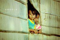 Ada Cinta dalam Tawa Riang Anak-anak Flores